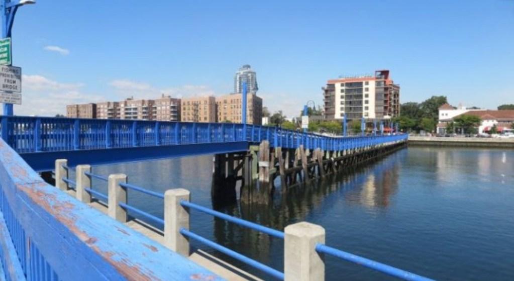 A walk-bridge across the bay