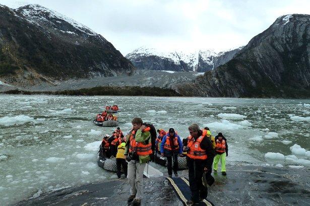 Glacier Cruceros Australis - Swoop Patagonia
