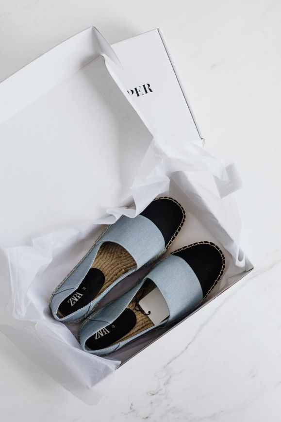 trendy espadrilles shoes in carton package