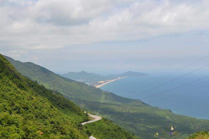 Vistas de la playa de Lang Co desde el puerto de Hai Van