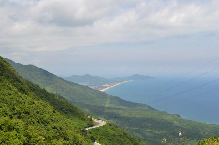 Vistas de la playa de Lang Co desde el puerto de Hai Van (Viaje a Hoi An en coche con chófer)