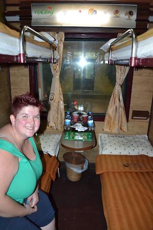 Noemí en el tren desde Hanoi (Tren nocturno a Hue)