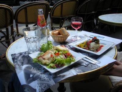 A little lunch starts to look like haute cuisine 'round these parts.  Faith was people watching.  I was enjoying not shopping.