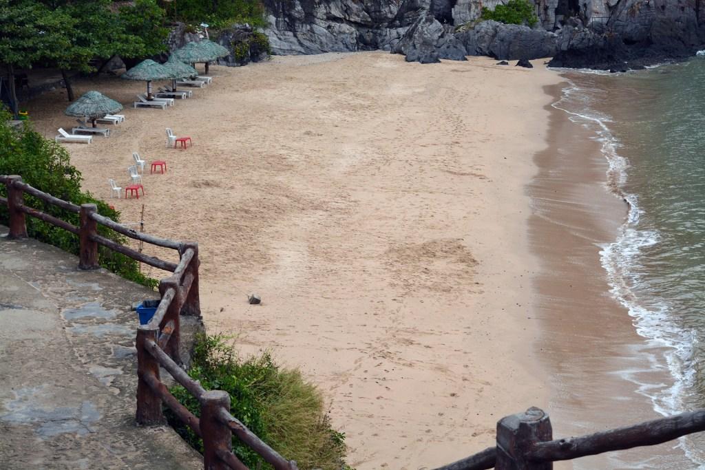 Cat Co 1 Beach