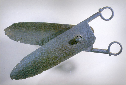 iron scissors 14th century