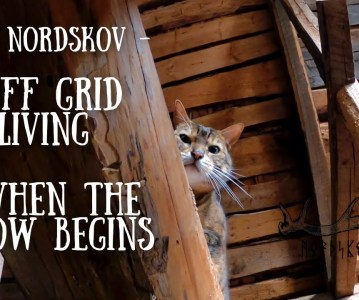 Off grid living – When the snow begins