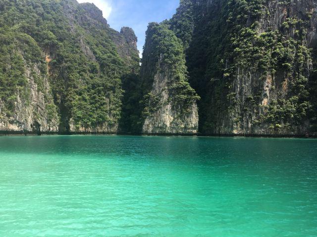 Phi Phi island overnight stay Maya bay
