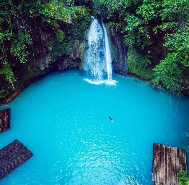 Canyoneering in cebu kawasan falls Moalboal
