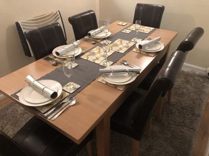 Christmas Day Dining table set up
