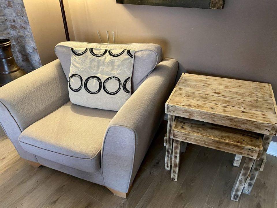 Pallet wood side tables
