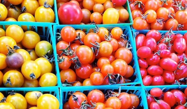 Tomatoes on baskets