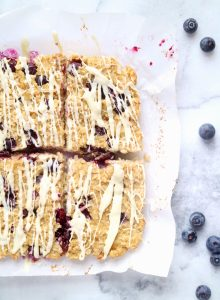 Lemon Blueberry Quinoa Breakfast Bars | The Nutrition Adventure