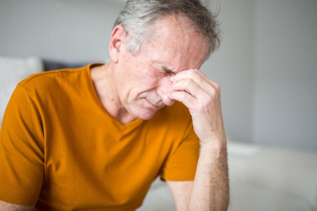 symptoms of mold