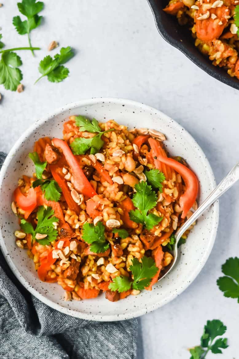 Vegan One Pan Morocan Rice & White Bean Bowls! Gluten Free and perfect for meal prep!