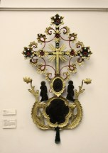 I quite liked this gilded cross
