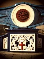 Crest on Tower Bridge