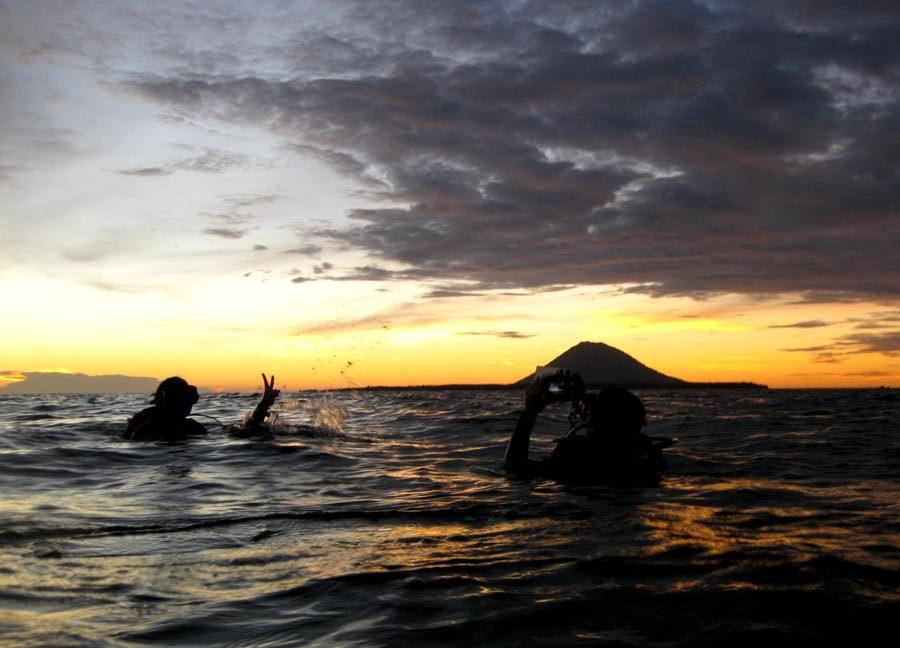 Manado Diving Surface Sunset