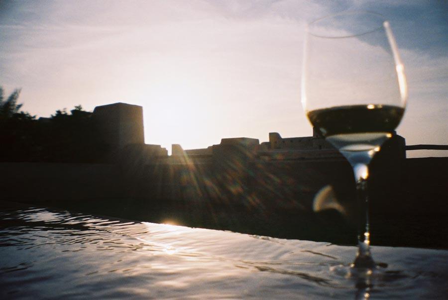 Qasr Al Sarab Pool Wine Lomo