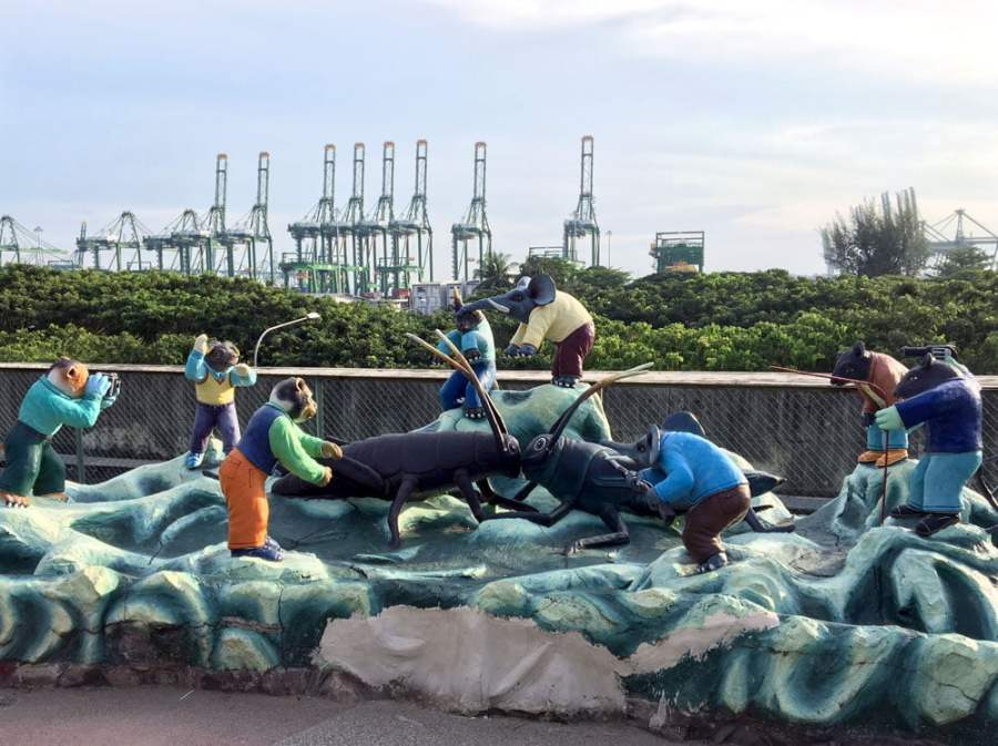 Haw Par Villa Giant Cricket Duel