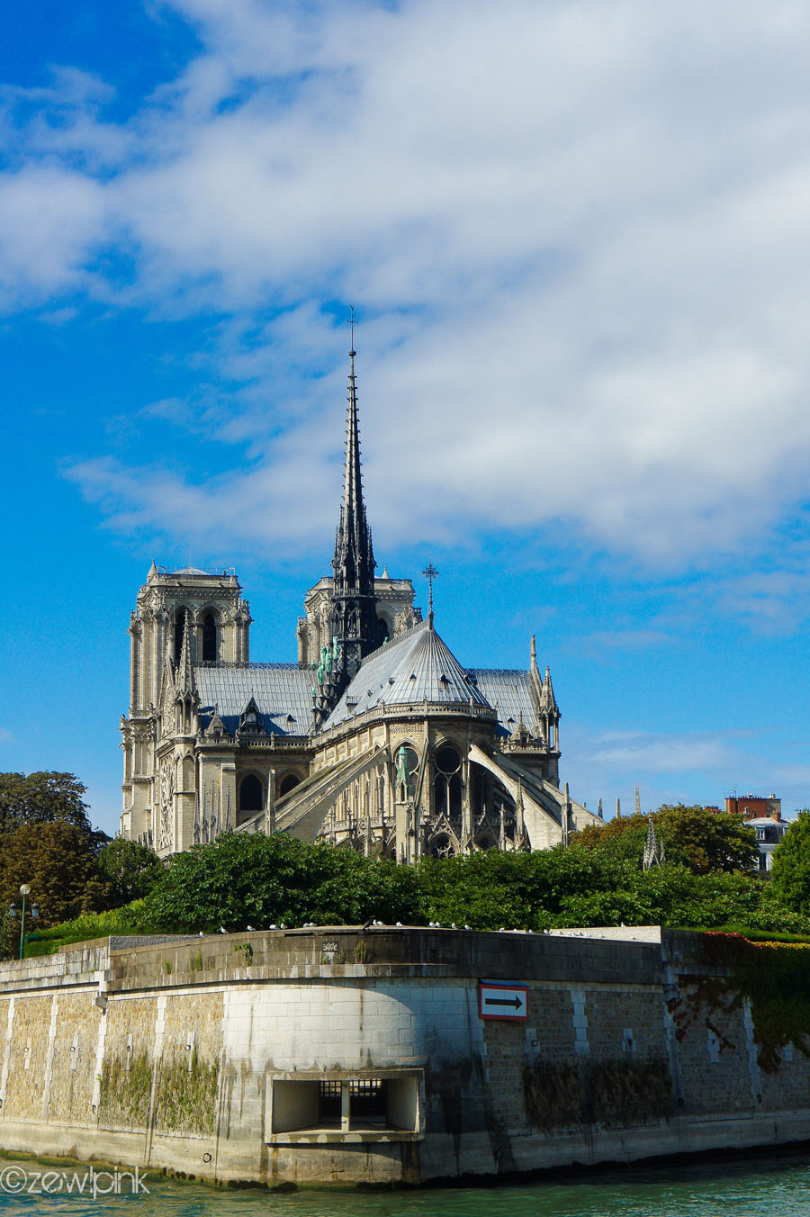 Wallpaper Wanderer: Notre Dame de Paris from the River