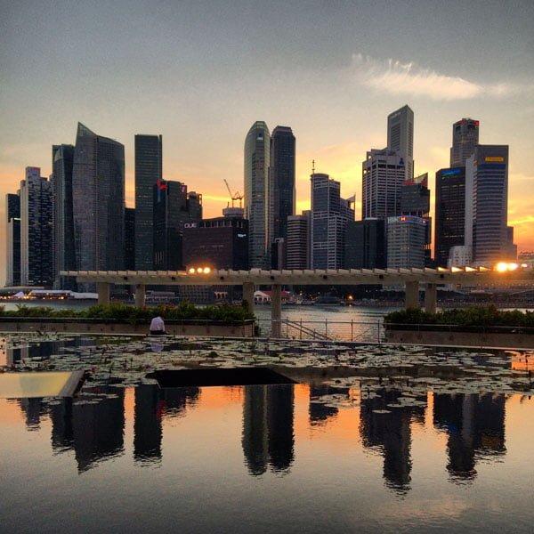 iLight Marina Bay - Singapore Skyline