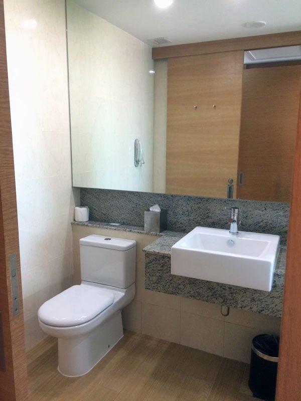 Village Hotel Changi - Toilet
