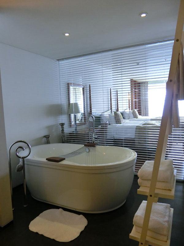 Bali Samabe Bathtub