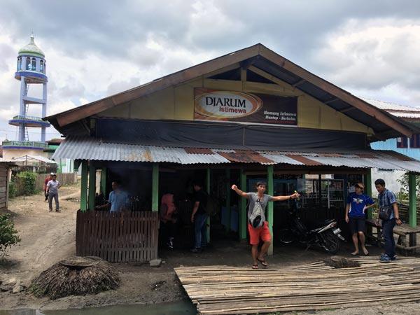 South Sumatra Ranau Lake Fried Fish shop