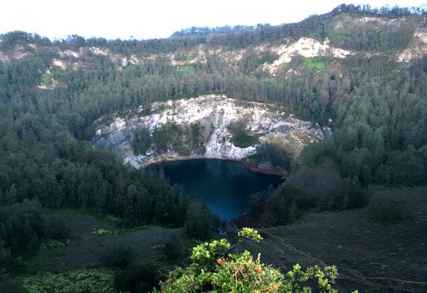 Flores Kelimutu Black Lake