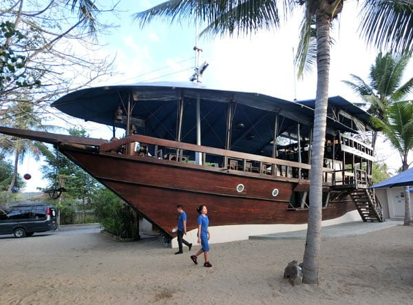 Flores Labuan Bajo Atlantis Beach Club Ship