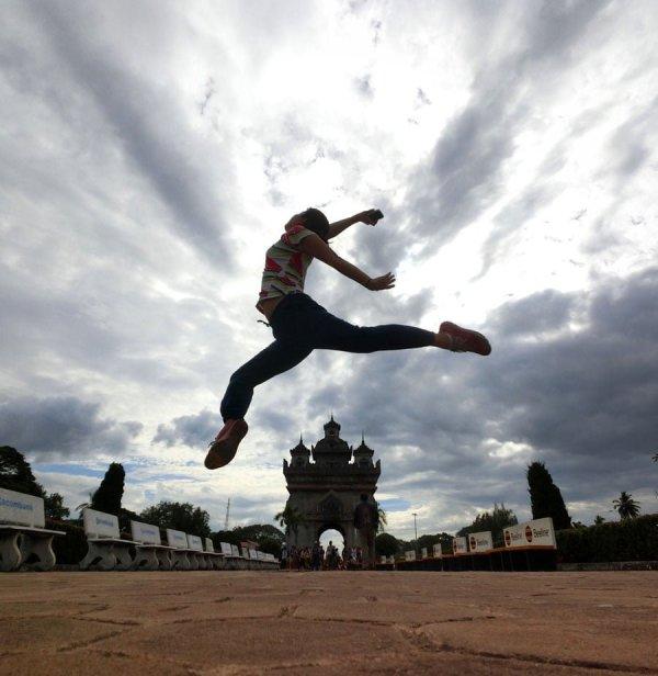 Laos Vientiane Patuxai Jumpshot
