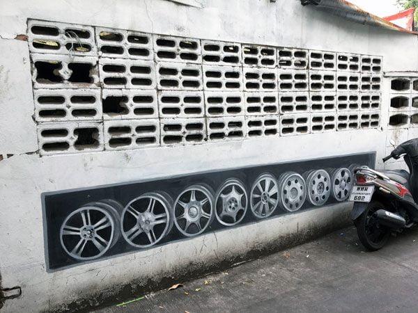 Bangkok Street Art Soi Wanit Rims