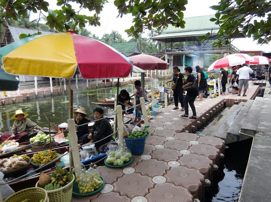 Amphawa Tha Kha Floating Market River Stalls