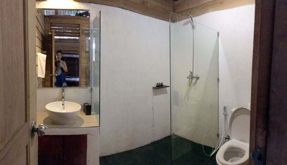 Telunas Beach Resort Room Bathroom