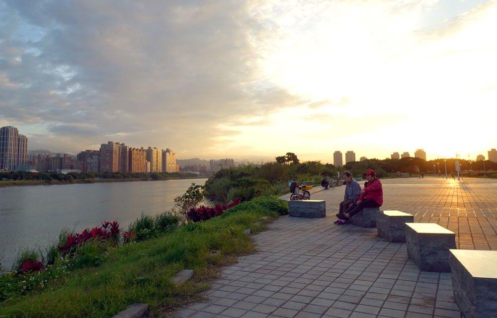 Taipei Cycling Riverside Sunset