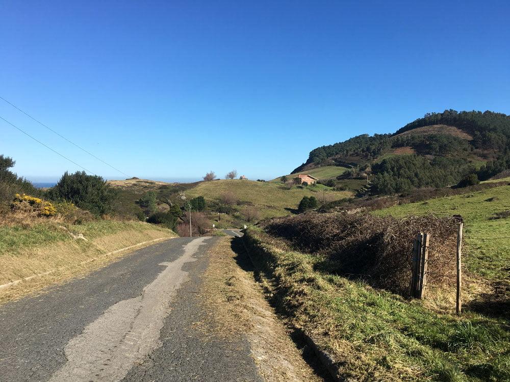 San Juan de Gaztelugatxe Walking Hill Up