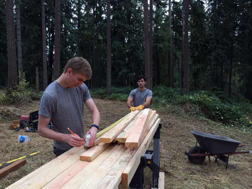 off grid cabin six day cabin day 2-2