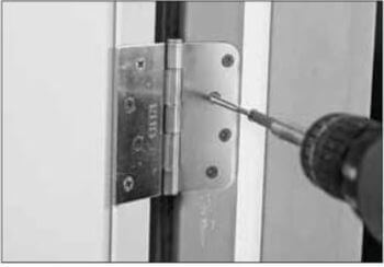 8 Door_Installation_Screw_Door_Jamb