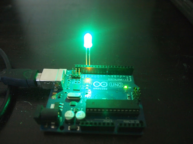A First Sketch in Arduino