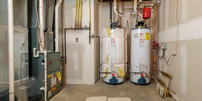 3101 Pinewood-28 utility room