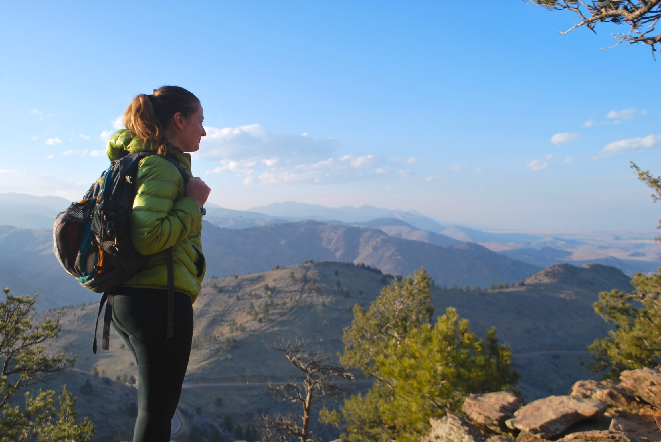 The ten hiking essentials are ten items that every hiker should carry in their daypack. They keep you safe, comfortable, and prepared for a full day of hiking. This is the ultimate hike packing list and includes tips for women and for kids on their next adventure. Pin now and read before your next hike.