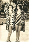 1920s beach fashion - Legend has it that it was Coco Chanel who lauched the tan as a fashion accessory