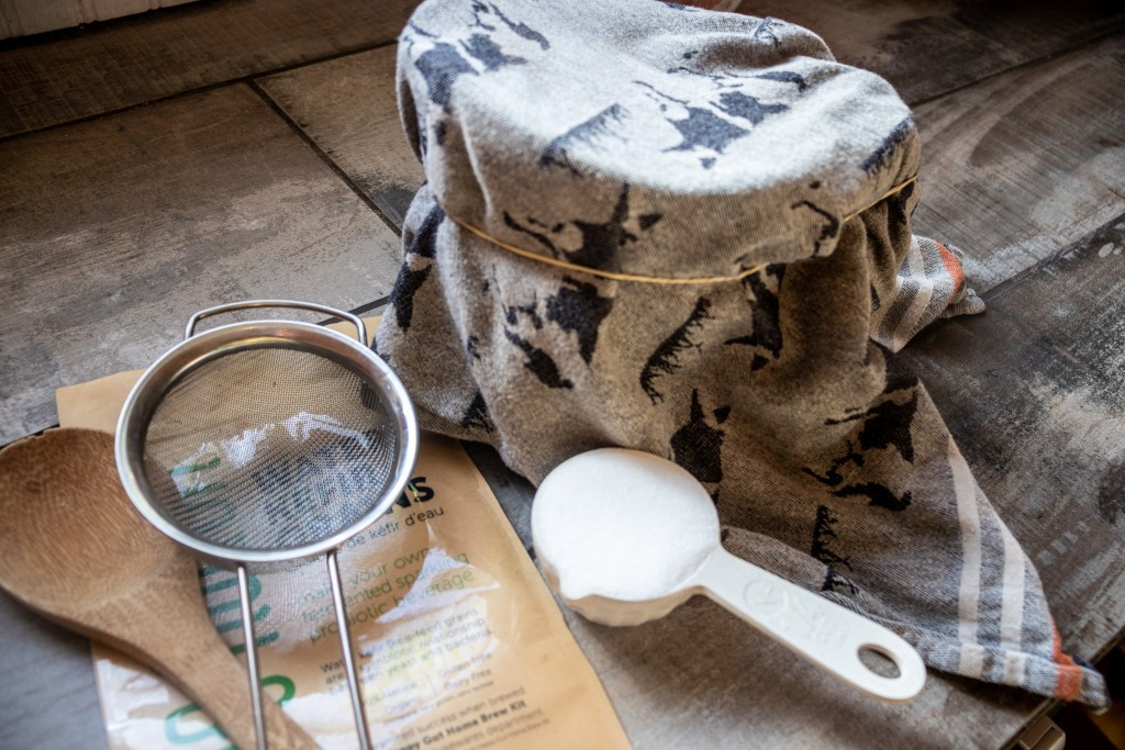 Equipment to make water kefir