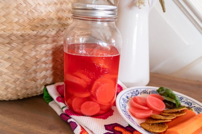 Lacto-fermented radishes