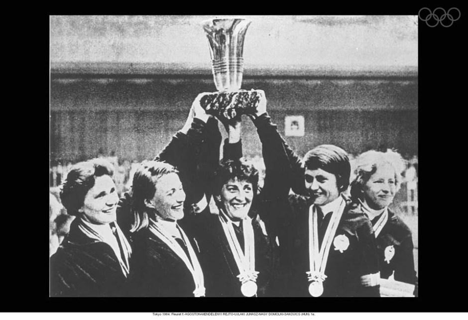 women's hungarian foil team 1964_Ildiko 2nd left
