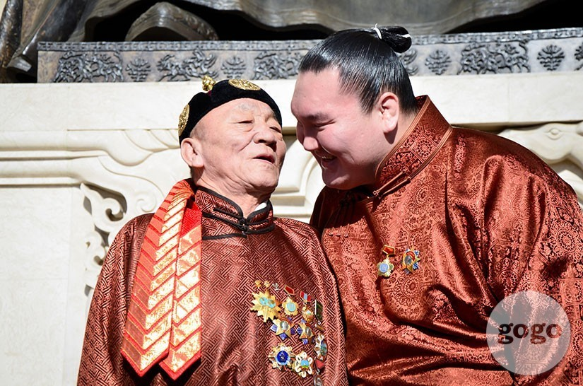 Hakuho and father