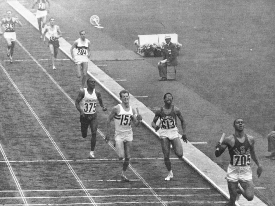 Henry Carr takes 4x400 team to gold_Tokyo Olympics Special Issue_Kokusai Johosha