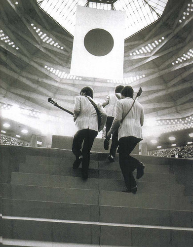 the-beatles-ascending-the-stage-at-the-budokan