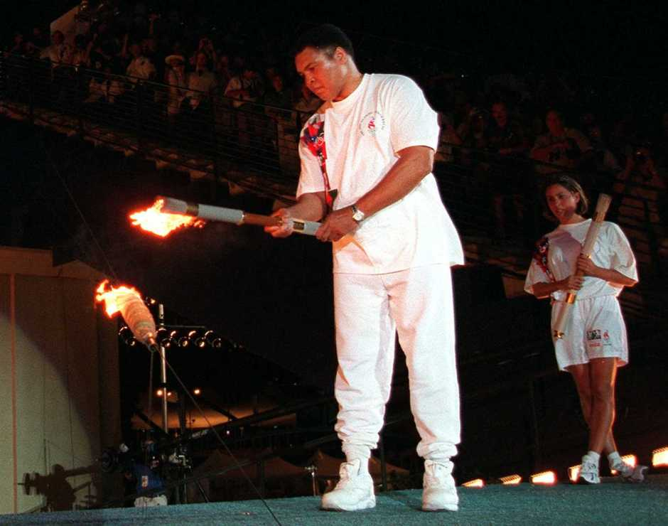 muhammad-ali-lights-the-olympic-cauldron_1996-atlanta-olympics