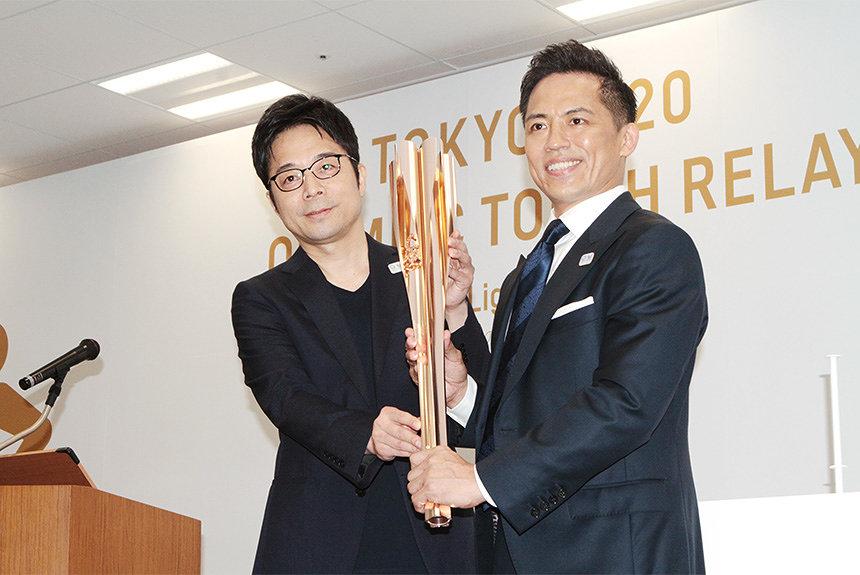 Yoshioka Nomura and sakura gold torch
